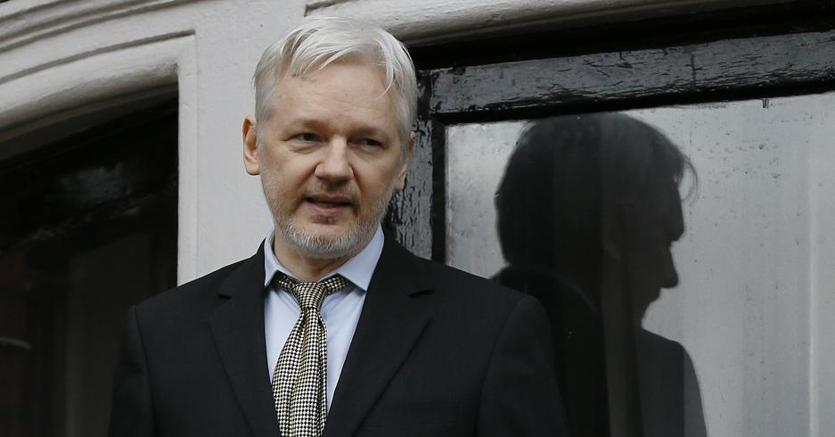 Julian Assange (Ap)